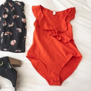 H&M Blood Orange Ruffled Sleeveless Bodysuit - Med